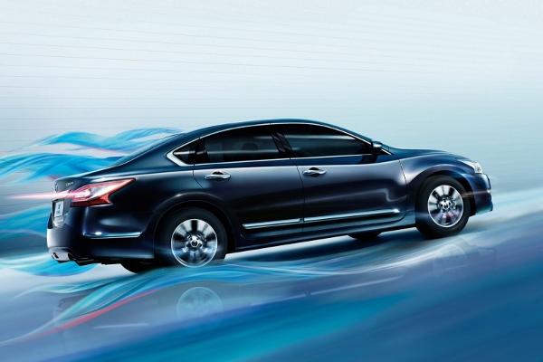 2014-Nissan-Teana Side (600x400)