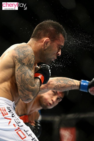 fight 1 issa doane (1) (400x600)