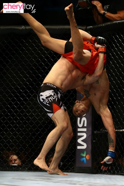 fight 4 (3) (400x600)