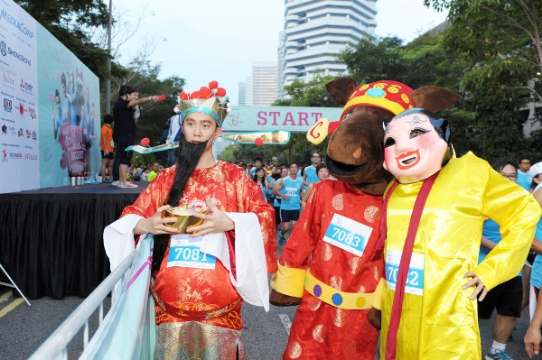 One of the groups that won the $888 hong bao for the Fancy Dress contest (600x399)