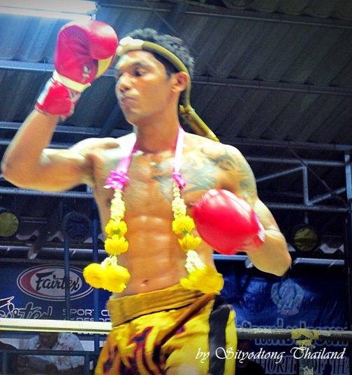 Fight in Thailand (By Radeem Rahman) (2) (504x538)