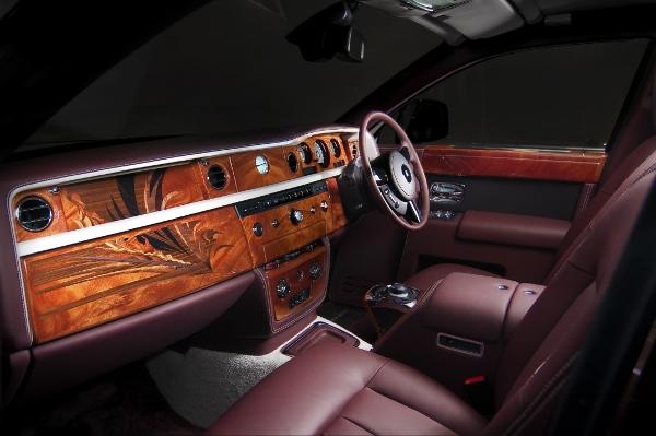 R-R Interior 3 (600x399)