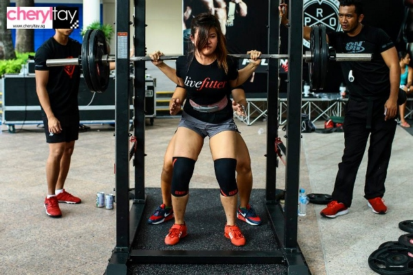 singapore squat challenge 2014 (2) (600x400)