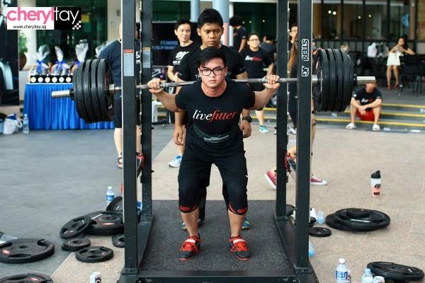 singapore squat challenge 2014 (7) (600x400)