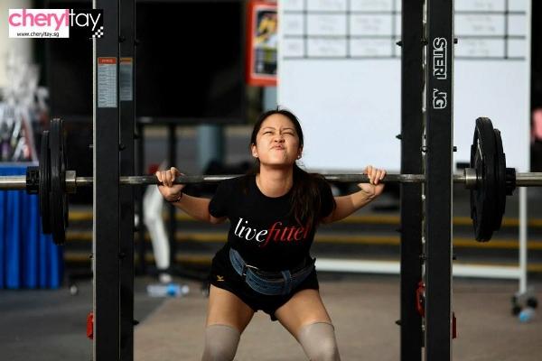 singapore squat challenge 2014 (9) (600x400)