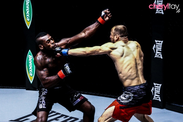 Fight 10 (1) (600x400)