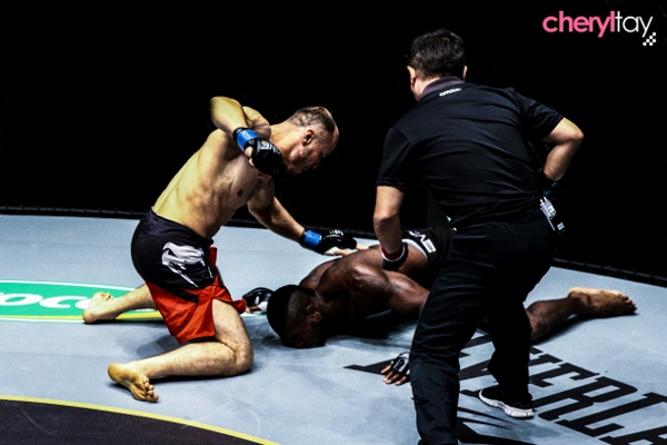 Fight 10 (2) (600x400)