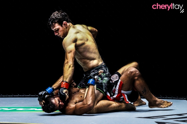 Fight 6 (2) (600x400)