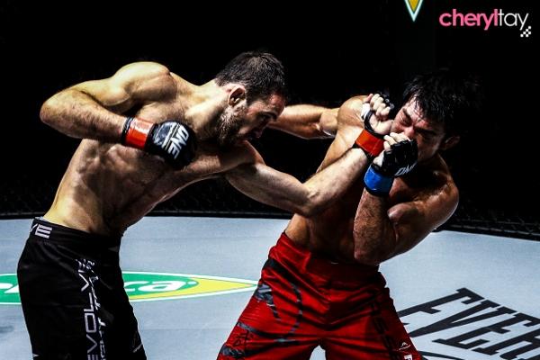 Fight 9 (5) (600x400)