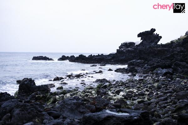 Yongduam Rock (600x400)