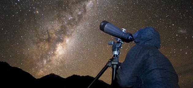 stargazing-stars-binoculars-web res_Landscape